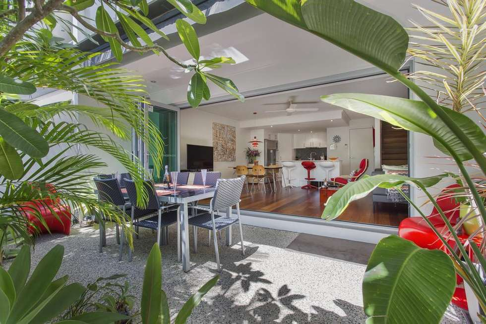 Fourth view of Homely villa listing, 2/30 Redondo Avenue, Miami QLD 4220