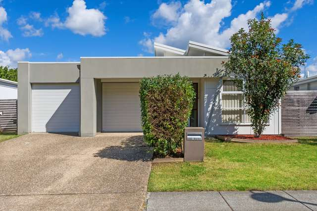 House 2/6 Pendraat Parade, Hope Island QLD 4212