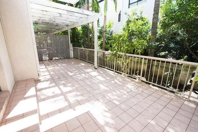 2/3 Garden Street, Southport QLD 4215