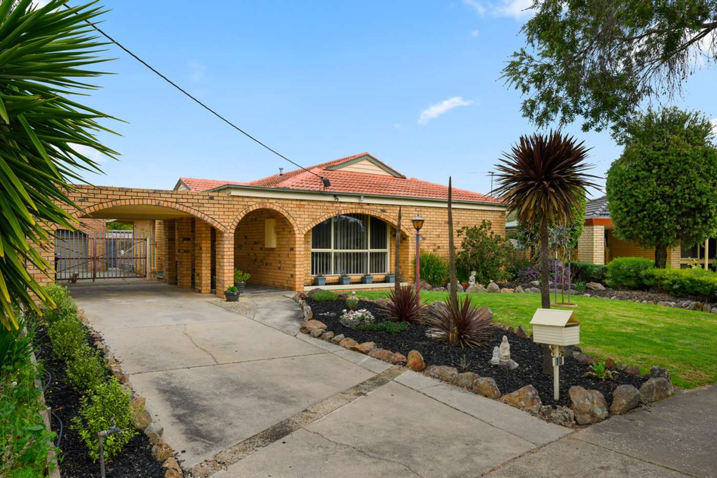 Main view of Homely house listing, 10 Maneroo Court, Wodonga VIC 3690