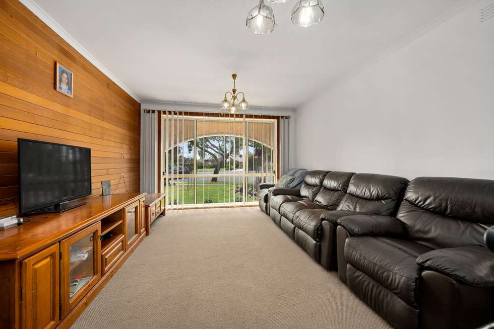 Third view of Homely house listing, 10 Maneroo Court, Wodonga VIC 3690