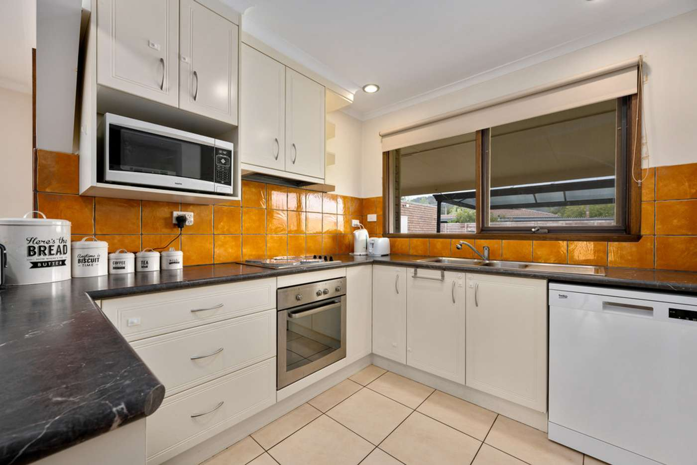 Fifth view of Homely house listing, 10 Maneroo Court, Wodonga VIC 3690