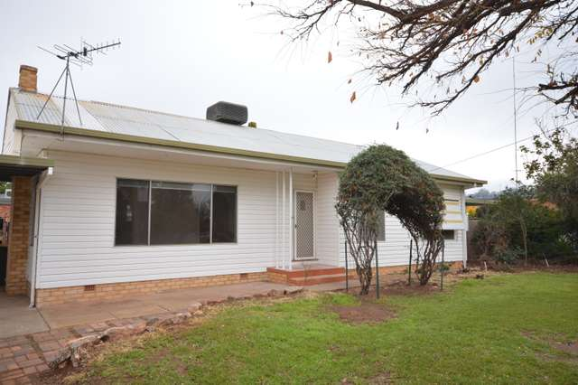 10 McKenzie Place, Griffith NSW 2680