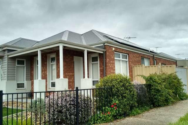 7 Tumbalong Street, Caroline Springs VIC 3023