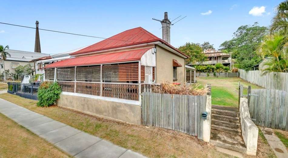 38 Roderick Street, Ipswich QLD 4305