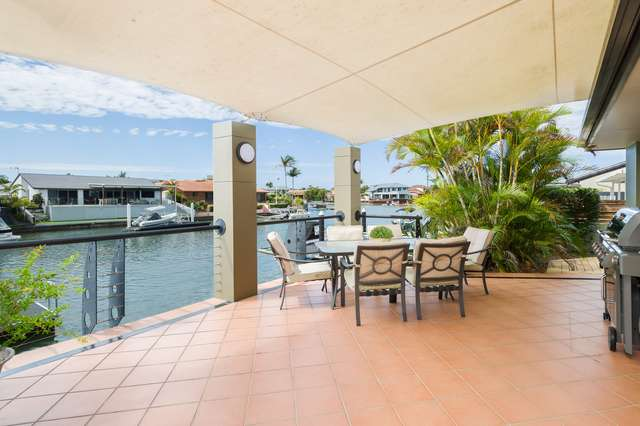 40 Cockleshell Court, Runaway Bay QLD 4216
