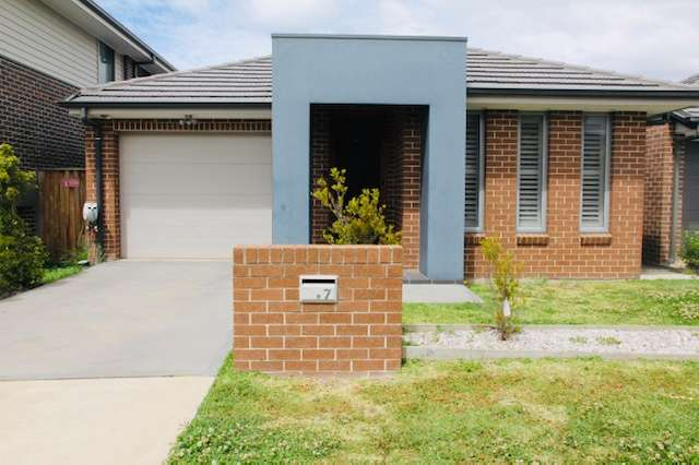 7 Velour, Moorebank NSW 2170