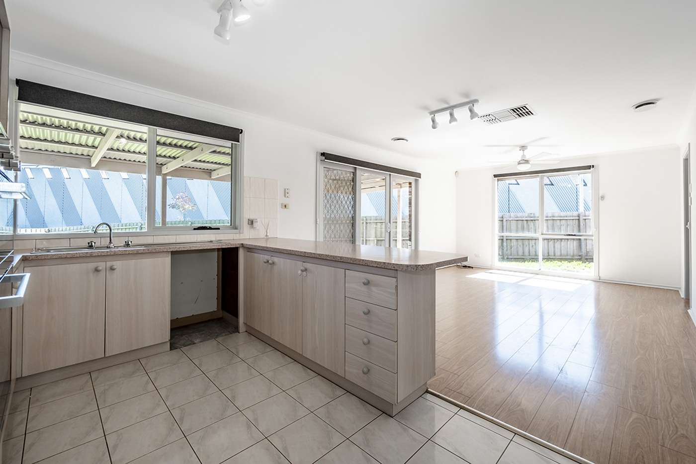 Fifth view of Homely house listing, 16 Tamworth Court, Cranbourne VIC 3977