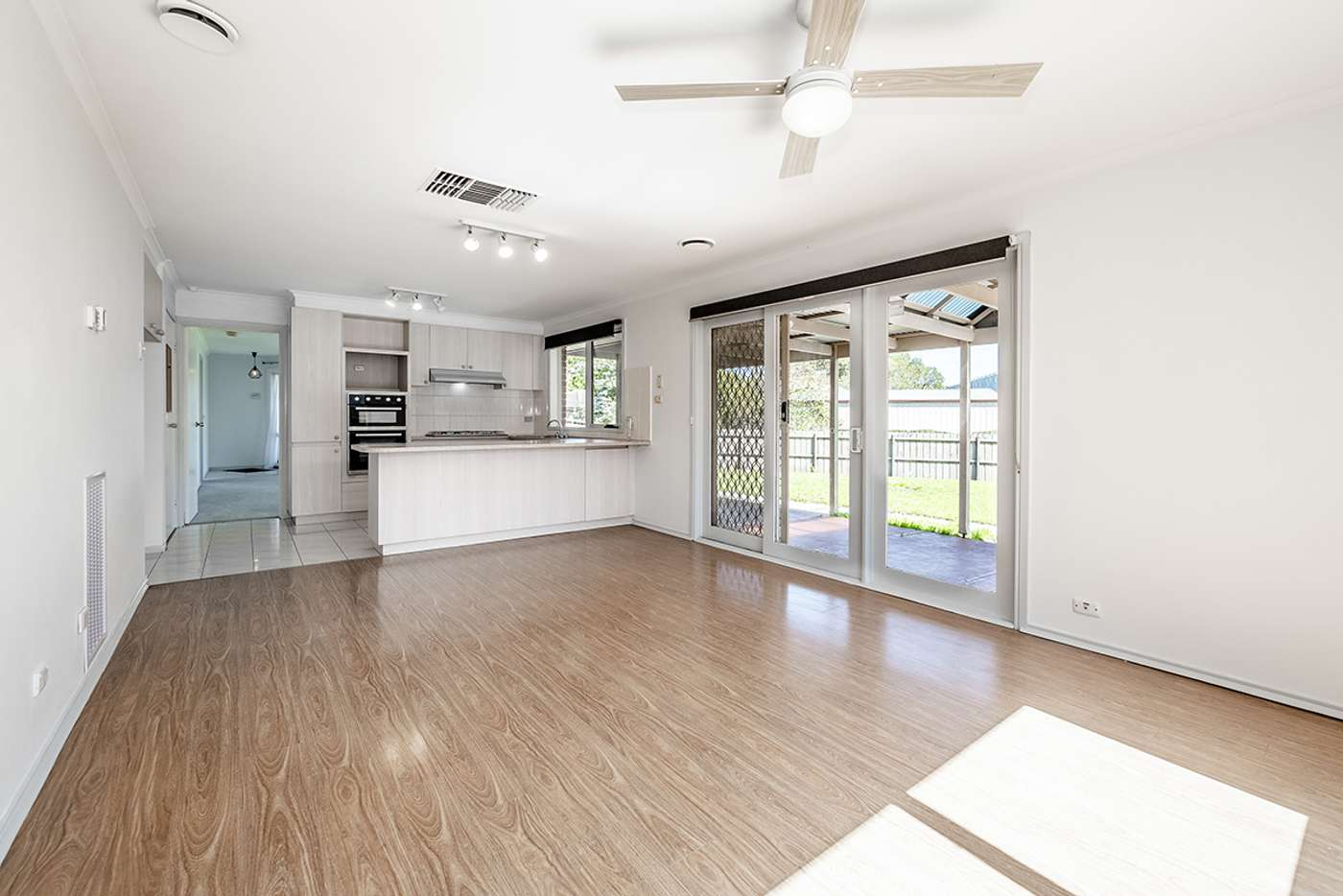 Sixth view of Homely house listing, 16 Tamworth Court, Cranbourne VIC 3977