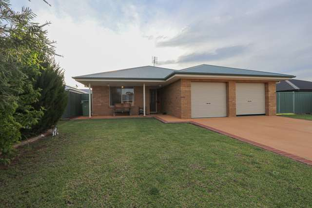 6 Lady Mary Drive, West Wyalong NSW 2671