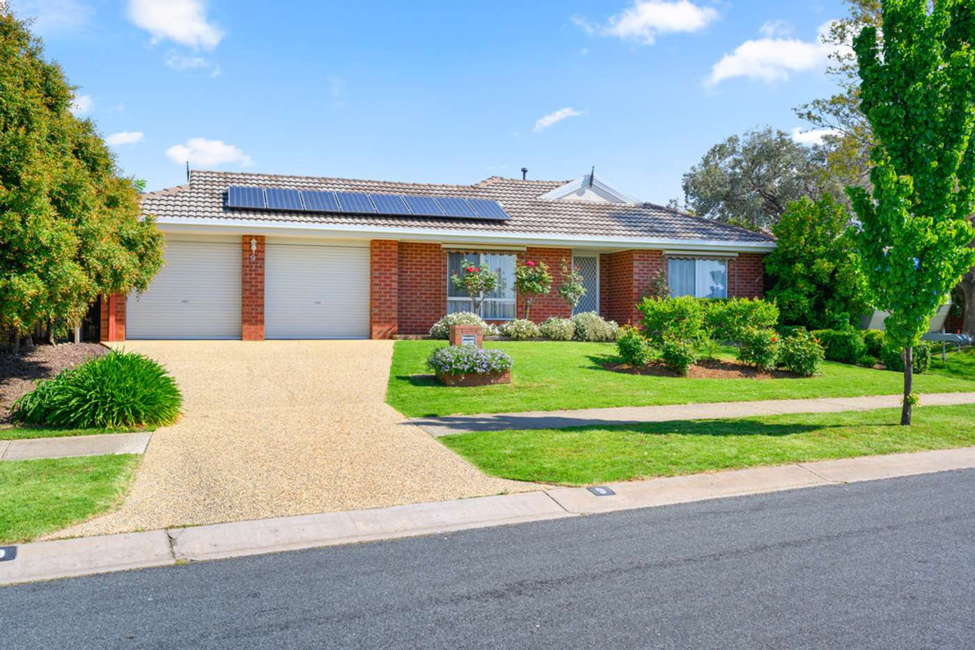 Main view of Homely house listing, 9 Mashie Way, Wodonga VIC 3690