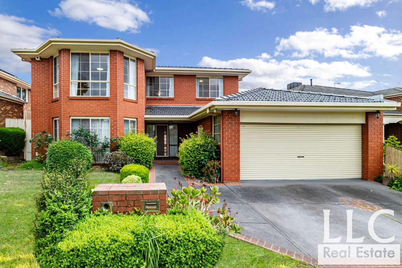 Main view of Homely house listing, 5 Adrian Avenue, Vermont South VIC 3133