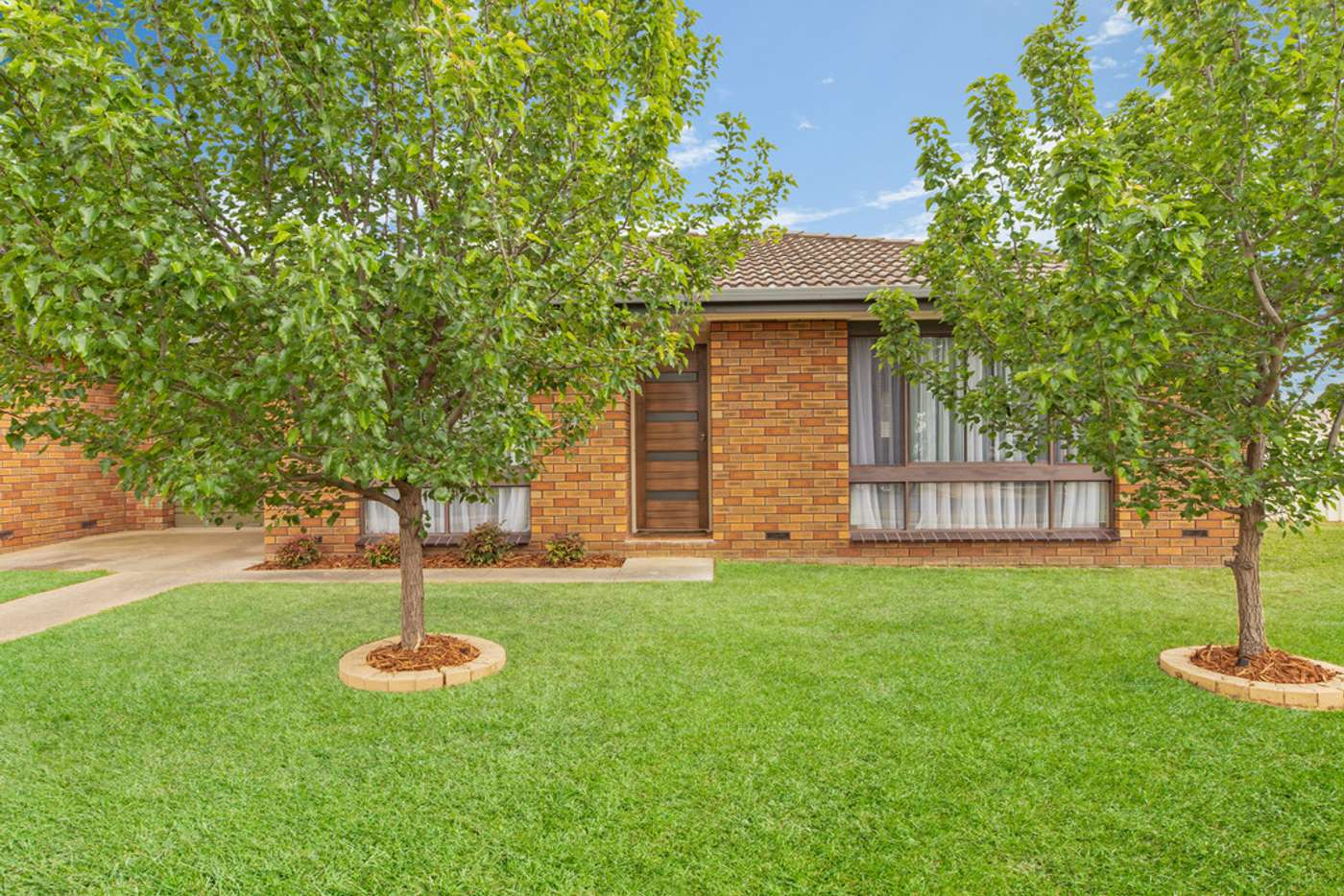 Main view of Homely unit listing, Unit 1 & 2/1 Burns Court, Wodonga VIC 3690