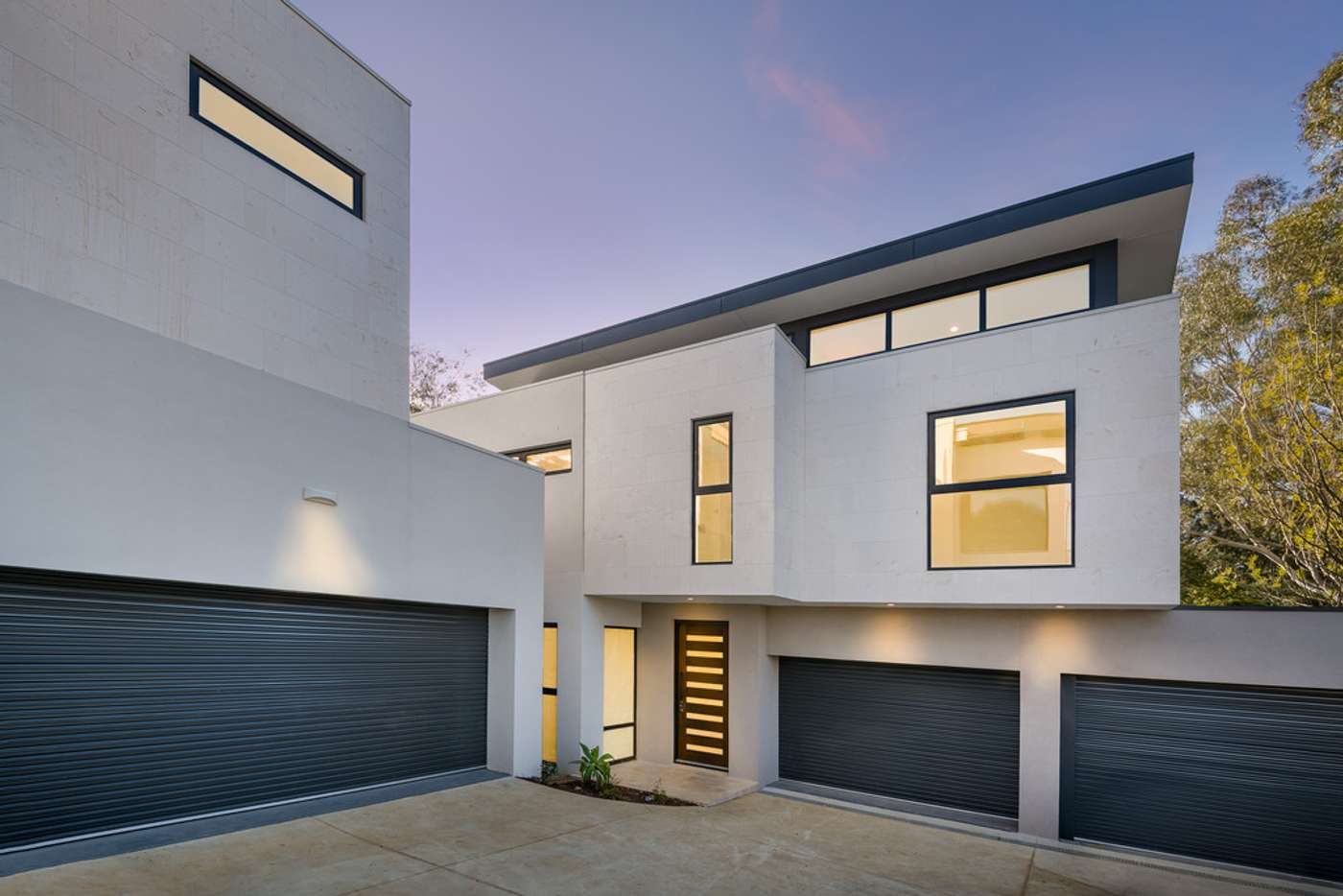 Main view of Homely townhouse listing, 2/577 Waverley Road, Glen Waverley VIC 3150