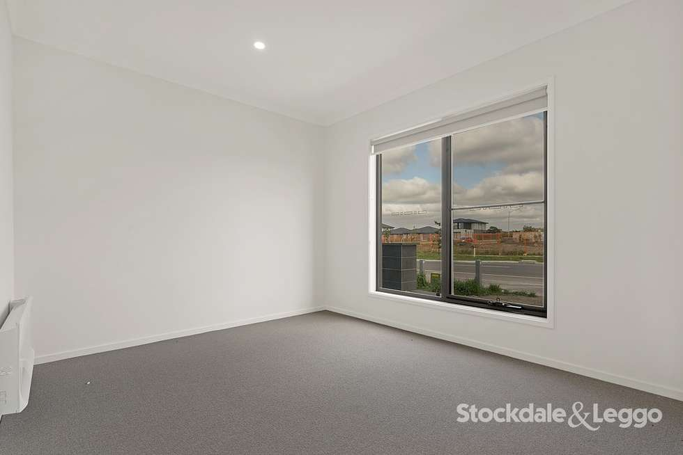 Second view of Homely house listing, 118 Highlander Drive, Craigieburn VIC 3064