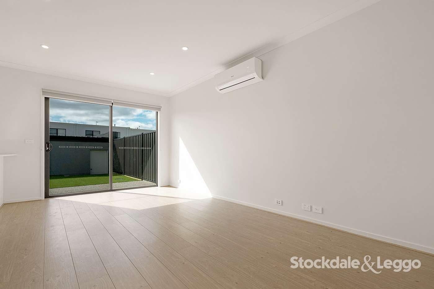 Seventh view of Homely house listing, 118 Highlander Drive, Craigieburn VIC 3064