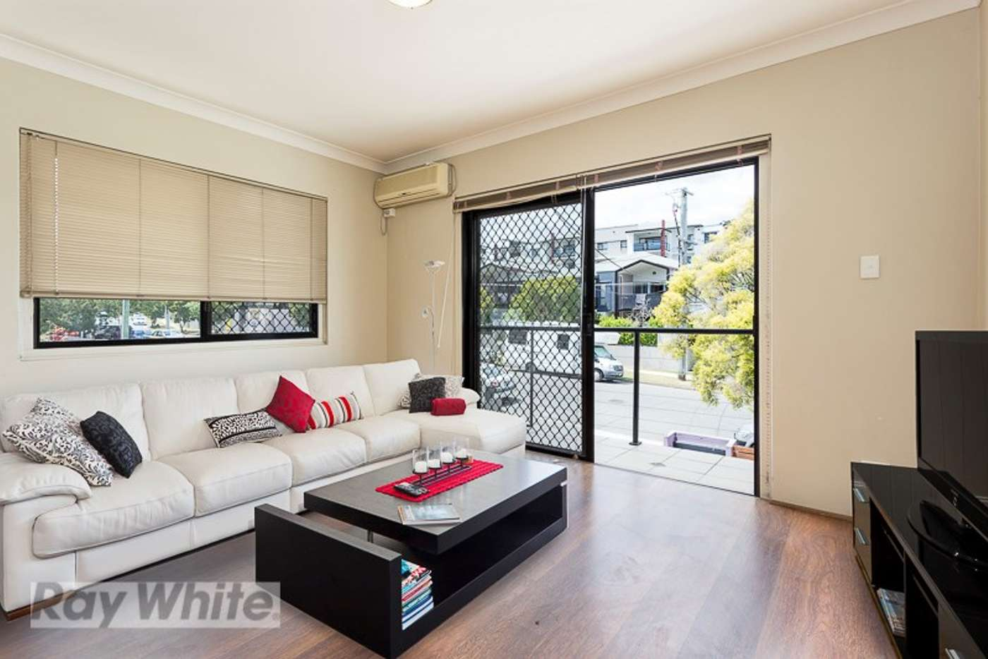 Main view of Homely unit listing, 5/8 Kitchener Street, Coorparoo QLD 4151