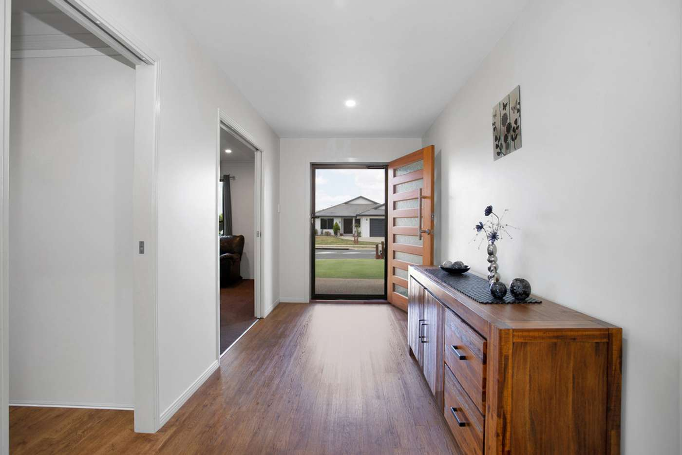 Sixth view of Homely house listing, 2 Roma Court, Beaconsfield QLD 4740