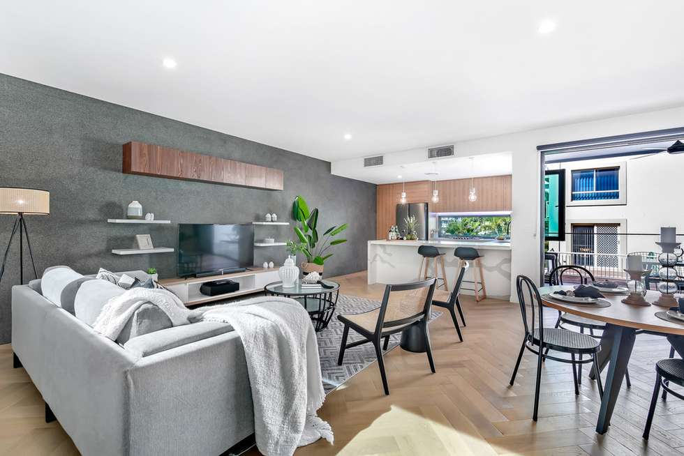 Fourth view of Homely semiDetached listing, 2/6 Mountain View Avenue, Miami QLD 4220