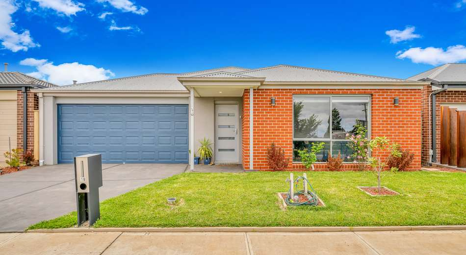 18 Burnett Way, Clyde North VIC 3978