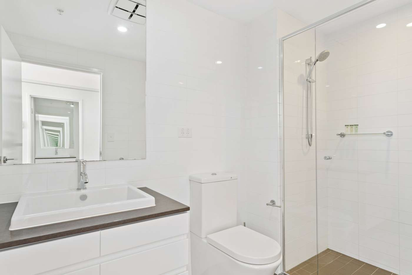 Sixth view of Homely apartment listing, 4014/37c Harbour Road, Hamilton QLD 4007