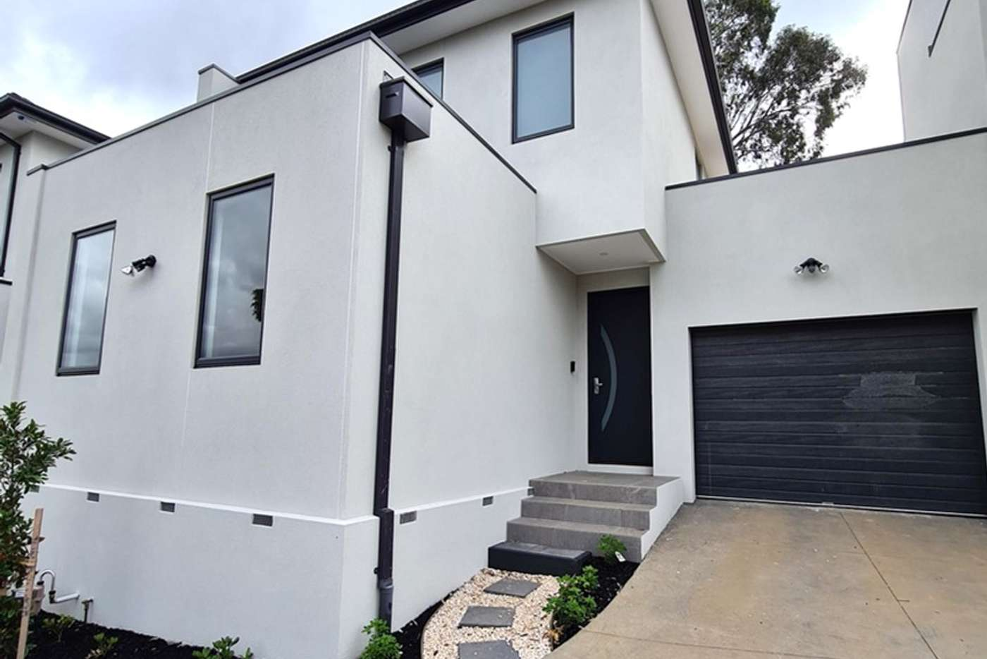 Main view of Homely unit listing, 2/4 Dart Court, Mount Waverley VIC 3149