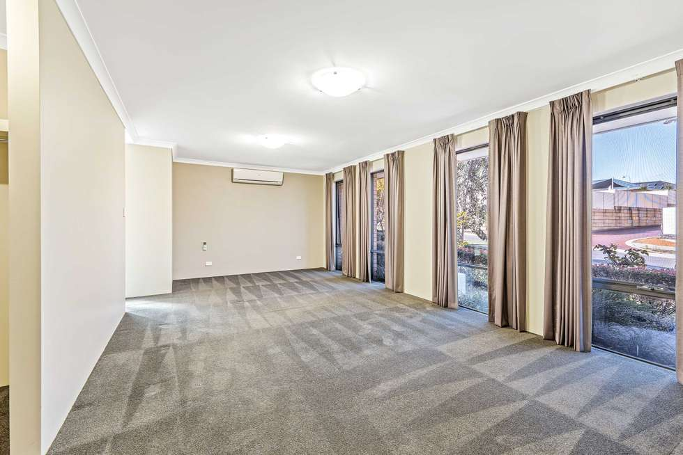 Second view of Homely house listing, 6 Ray Gardiner Vista, Tapping WA 6065