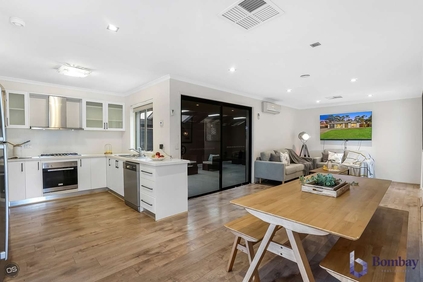 Sixth view of Homely house listing, 13 Bonney Place, Roxburgh Park VIC 3064