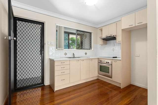 2/23 Baragoola Street, Coorparoo QLD 4151