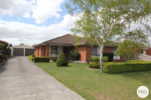 10 Langham Road, Wendouree VIC 3355