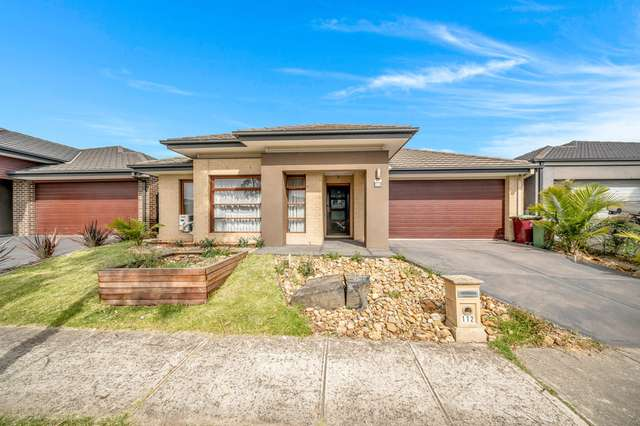 112 Selandra Boulevard, Clyde North VIC 3978