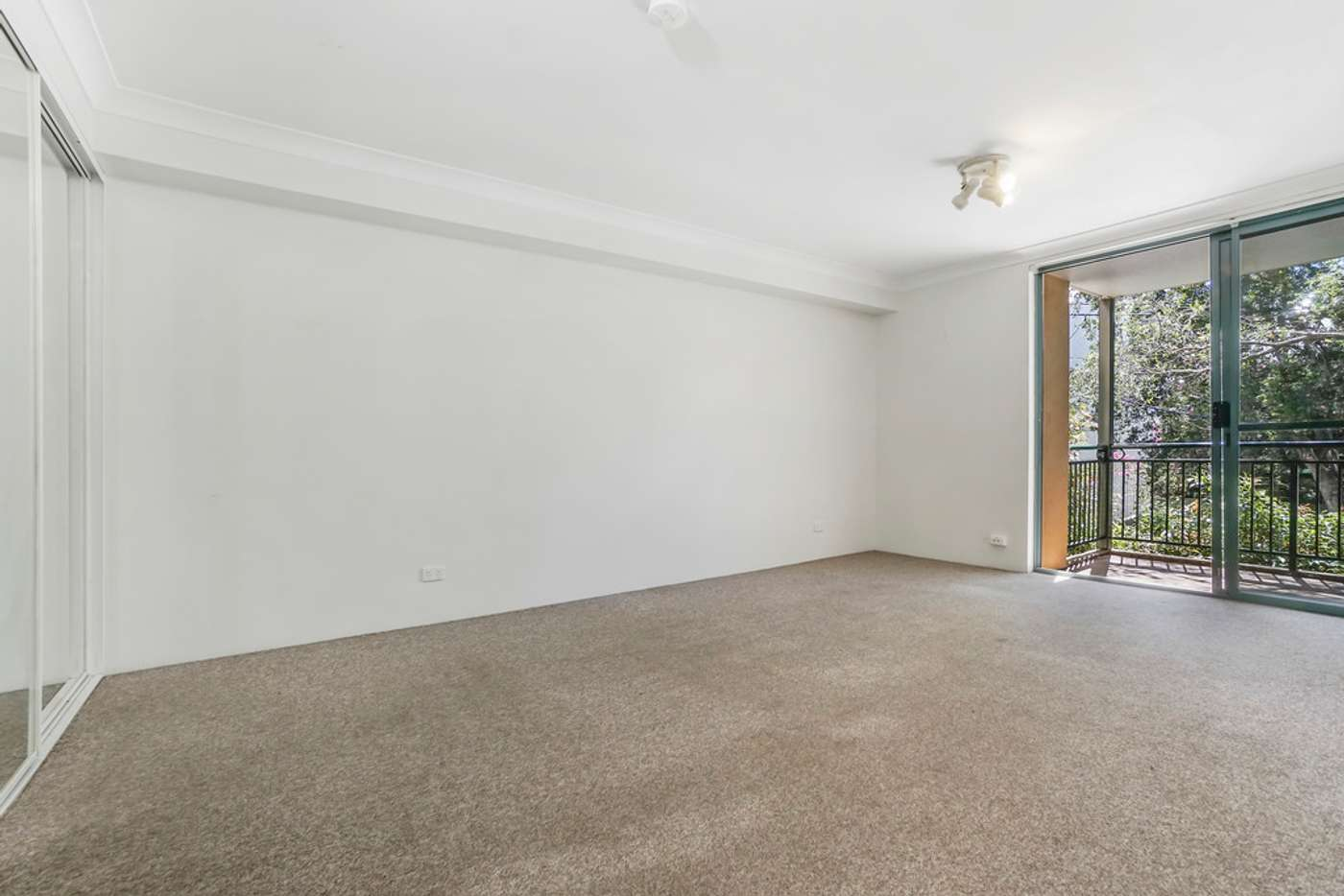 Main view of Homely studio listing, 29/1 Linthorpe Street, Newtown NSW 2042