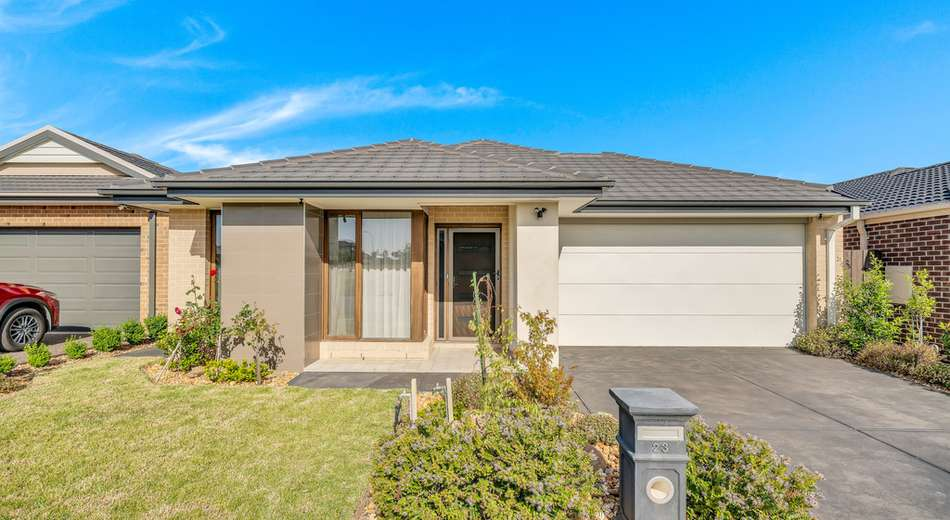 23 Blundy Boulevard, Clyde North VIC 3978