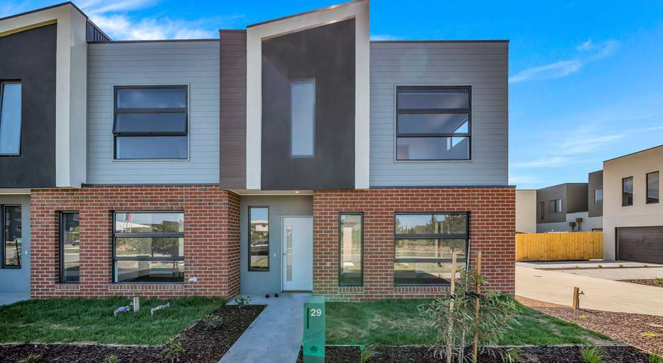 29 Monument Blvd, Clyde North VIC 3978