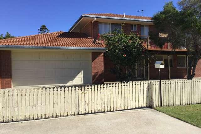 7 New Street, Urangan QLD 4655