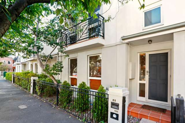 52 Gatehouse Drive, Kensington VIC 3031
