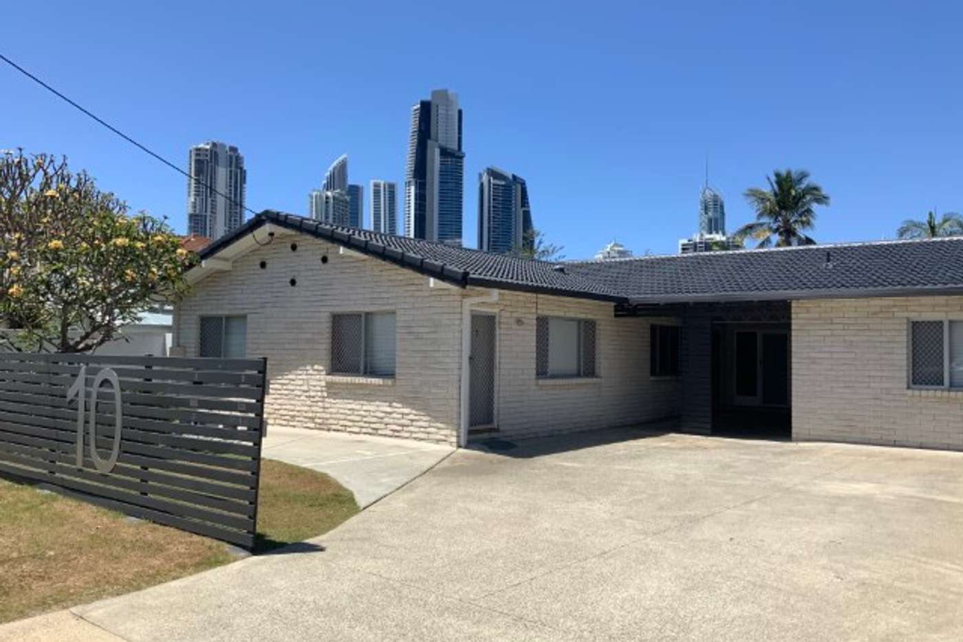 Main view of Homely unit listing, 2/10 Adori Street, Chevron Island QLD 4217