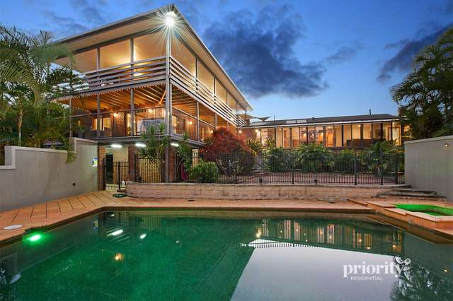 32 Henderson Road, Everton Hills QLD 4053