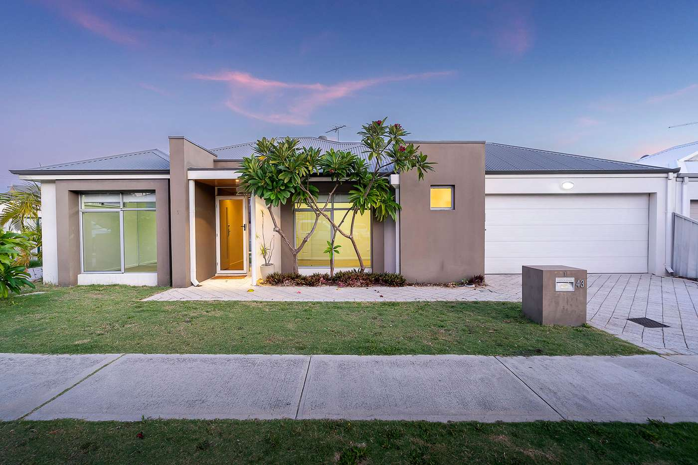 Main view of Homely house listing, 1/43 Sackville Terrace, Scarborough WA 6019