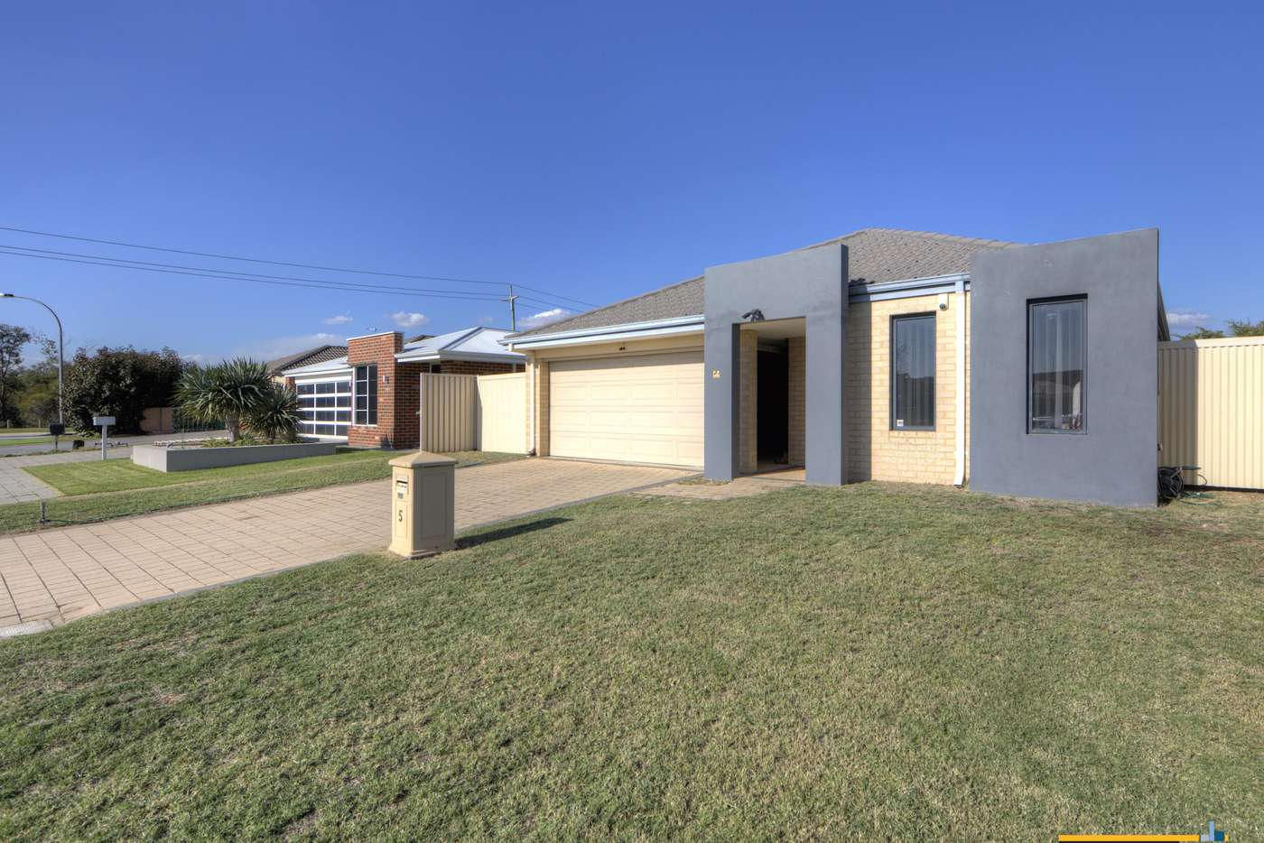 Main view of Homely house listing, 5 Chervil Bend, Wattle Grove WA 6107