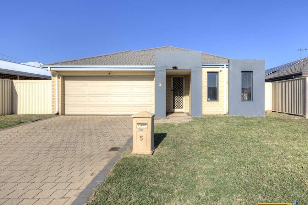 Second view of Homely house listing, 5 Chervil Bend, Wattle Grove WA 6107
