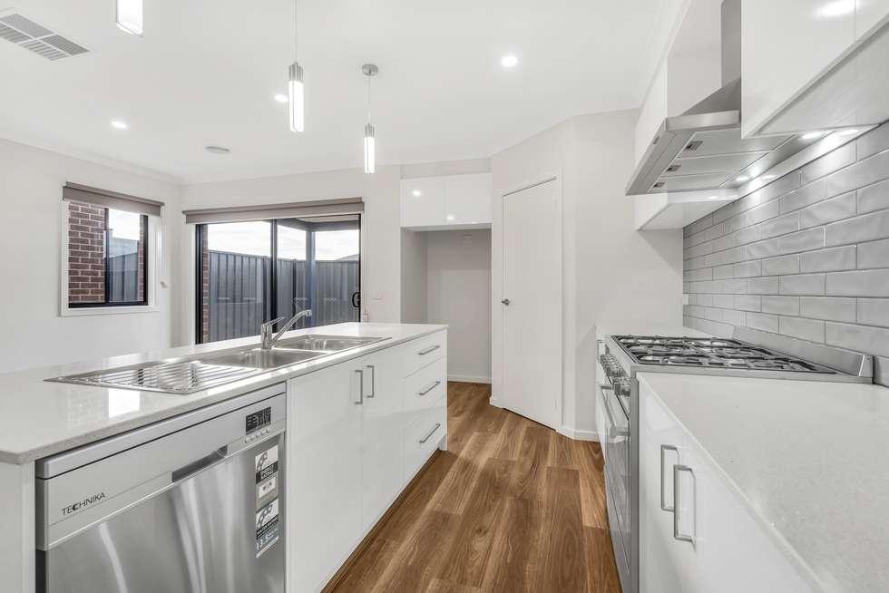 Fourth view of Homely house listing, 6 Erasmus Avenue, Craigieburn VIC 3064
