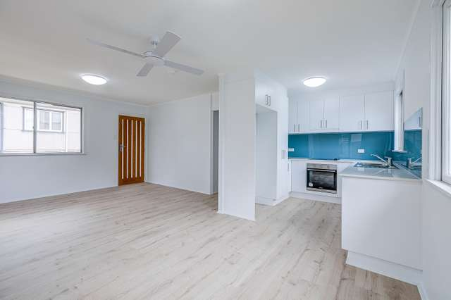 14 Bernays Rd, Wynnum West QLD 4178