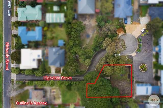 8 Highvista Grove, Ballarat East VIC 3350
