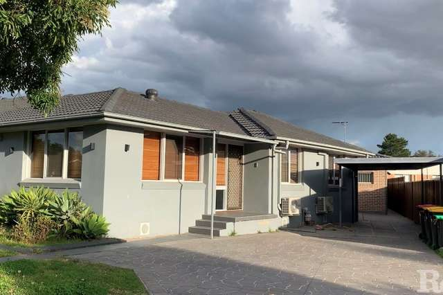 18 Charlton Place, St Clair NSW 2759
