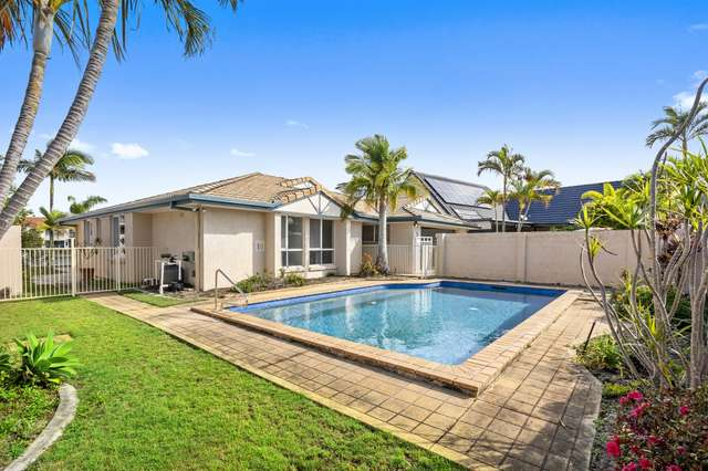 5 Chesterfield Place, Runaway Bay QLD 4216