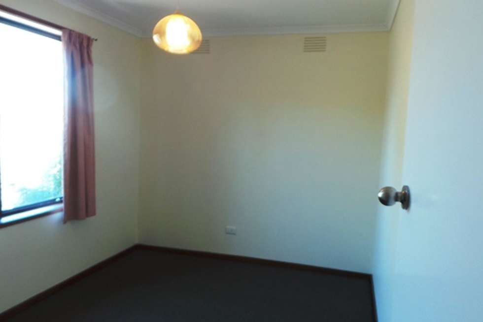 Fifth view of Homely unit listing, 8/37 Clyde Road, Berwick VIC 3806