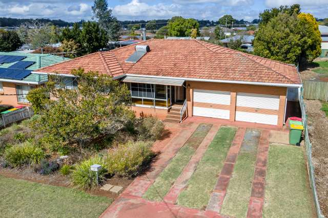 18 Wentworth Street, Centenary Heights QLD 4350