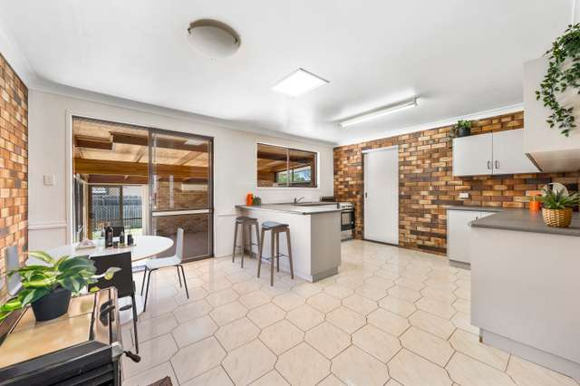14 Maree Court, Centenary Heights QLD 4350