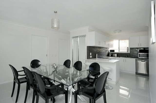 2/26 Knockator Crescent, Centenary Heights QLD 4350